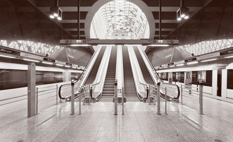 5445d164e58ece180a000075_budapest-underground-line-m4-bik-s-park-station-palatium-studio_bikas_park_statioovszky_-_01